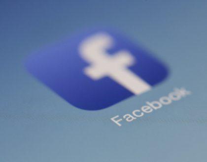 Déclin de Facebook pour les médias et les «fake news»